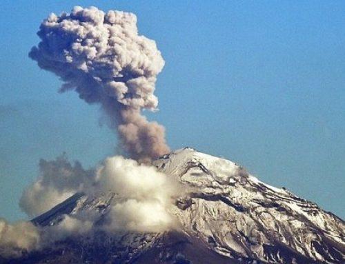 El volcán Popocatépetl en México registra una fuerte explosión