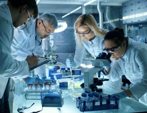 El mundo se enfrenta al grave dilema de saltarse pasos cruciales en el desarrollo de una vacuna contra COVID-19
