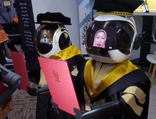 Malasia recurre a robots para una ceremonia de graduación