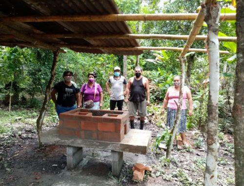 Construyen primera estufa ecológica para damas indígenas