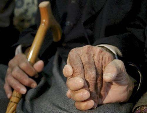 Relacionan edad parental de inicio Alzheimer con mayor riesgo para las hijas