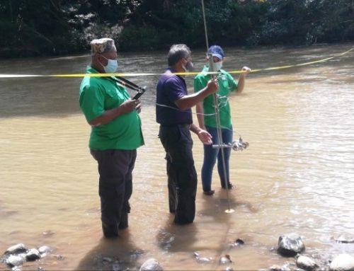 Técnicos de MiAmbiente, realizan aforo y monitorean con dron la cuenca hidrográfica, del Río Chame