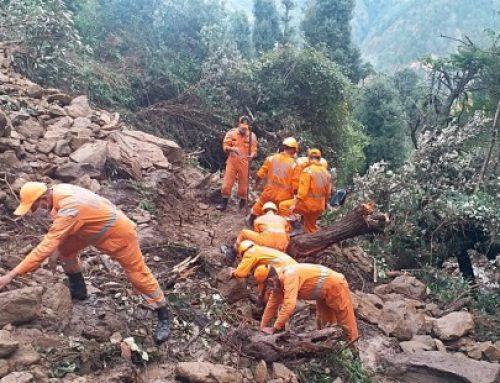 Las lluvias torrenciales y deslizamientos en Nepal dejan casi 90 muertos