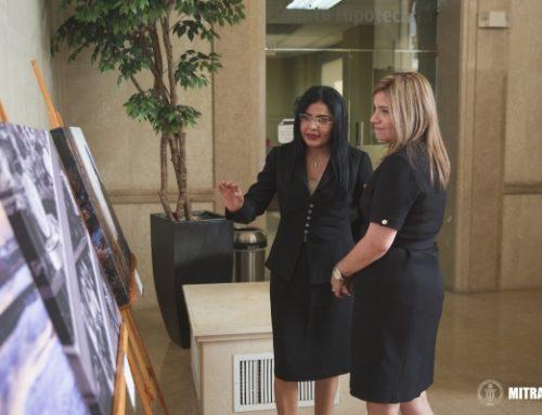 Inaugura exhibición de arte obrera, en la Caja de Ahorros