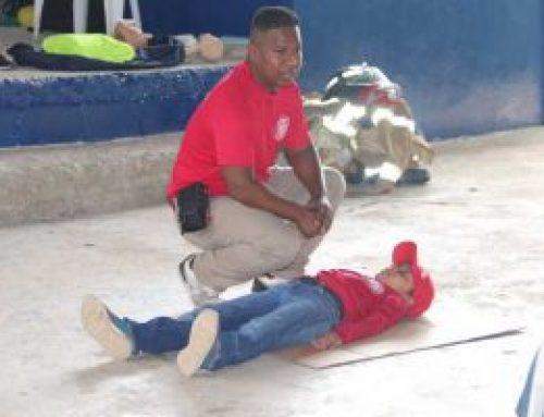 Bomberos realizan jornada de capacitación a residentes de Tambo, en Coclé