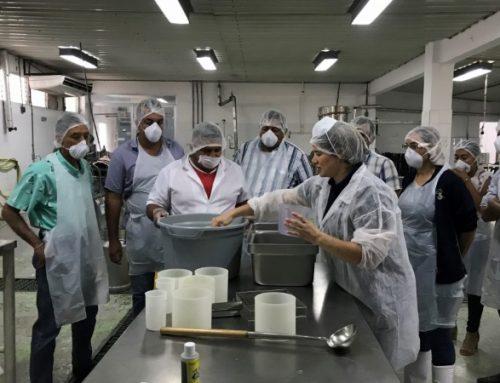 Realizan taller teórico-práctico respecto a nuevas tecnologías para mejorar el proceso del queso fresco