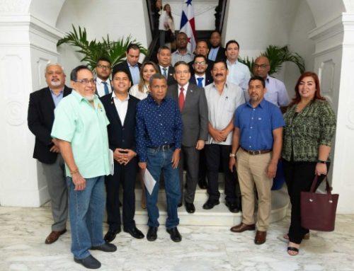Presidente de la República de Panamá, Laurentino Cortizo Cohen, se reunió con dirigentes del CONUSI, y abordó sobre temática laboral