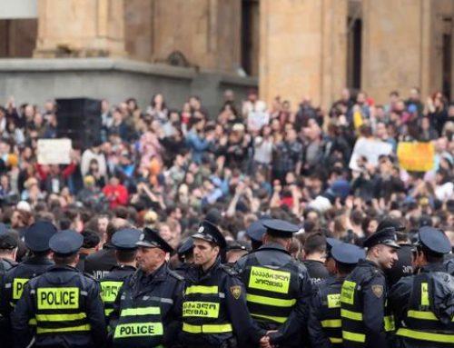 La Policía georgiana despejaron las protestas que bloquearon el Parlamento