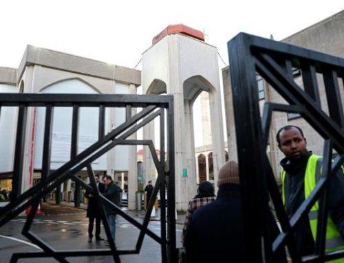 Un hombre apuñalado en una mezquita en Londres, policía detiene a sospechoso