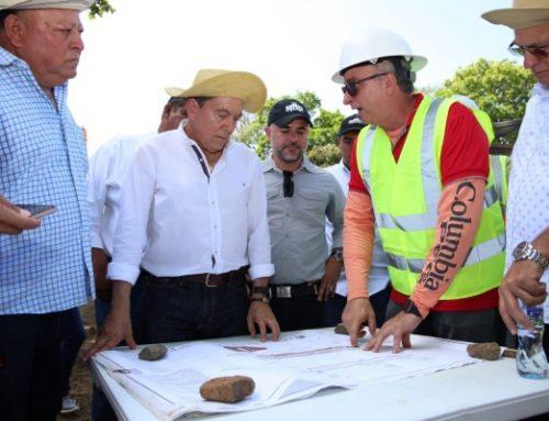 Ministro de Obras Públicas, Rafael Sabonge, inspeccionó proyecto de construcción del puente sobre el río Guaniquito