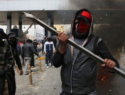 """Gobierno boliviano identifica """"armamento militar"""" en grupos de manifestantes"""