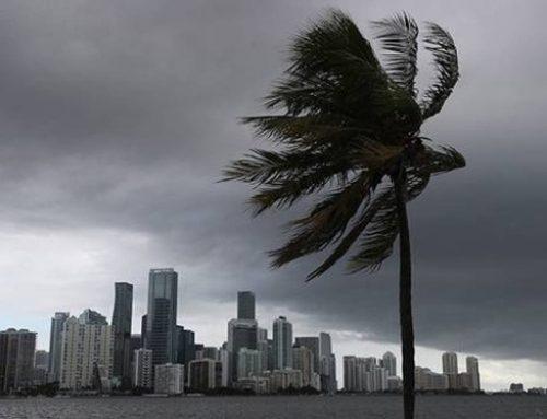 Meteorólogos prevén que Isaías golpee las Carolinas convertido en huracán