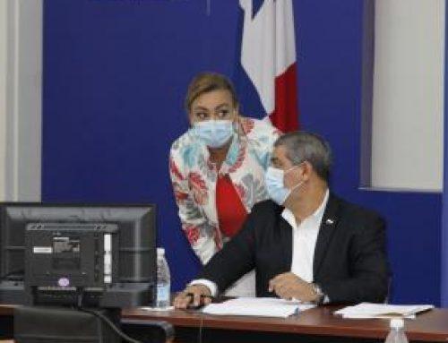 Ministro de Salud de Panamá, Luis Francisco Sucre, plantea a dirigentes de gremios médicos, necesidad de nuevas contrataciones