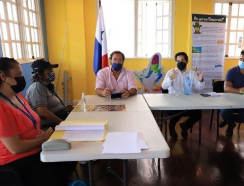 Empresarios del sector turismo se reúnen con la DGI, en Isla Colón