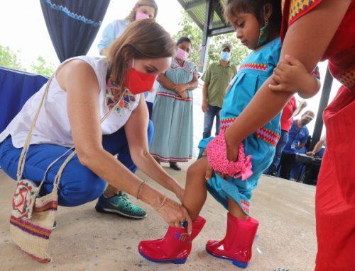 Primera Dama de Panamá, Yazmín Colón de Cortizo, lleva asistencia social a Alto de Jesús en la comarca Ngäbe Buglé