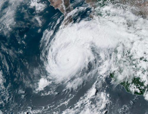 'Rick' irrumpe en México como un huracán de categoría 2