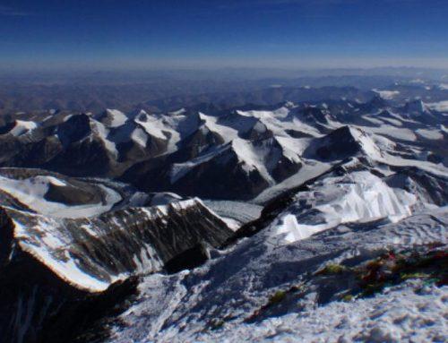Otros tres muertos en el Everest, siete en lo que va de temporada