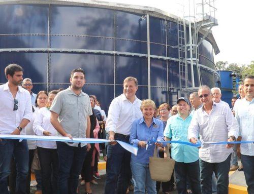 Gobierno entrega proyecto de construcción del acueducto, red sanitaria y planta de tratamiento de aguas residuales en Boquete.