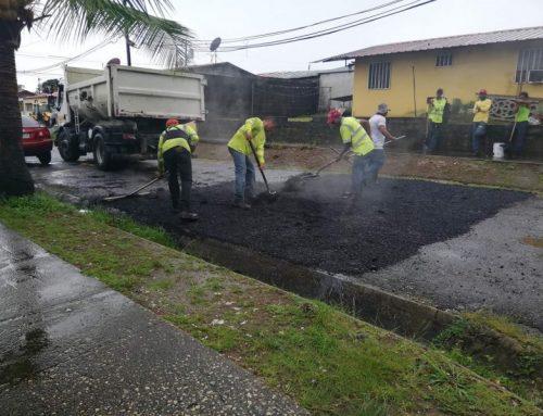 Colocan asfalto en diferentes sectores de la provincia de Colón