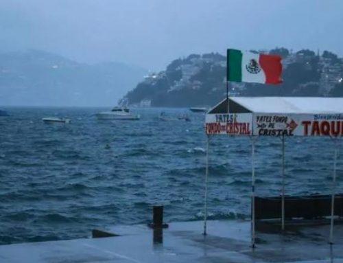 Huracán Lorena, de categoría 1, toca costa occidental de México