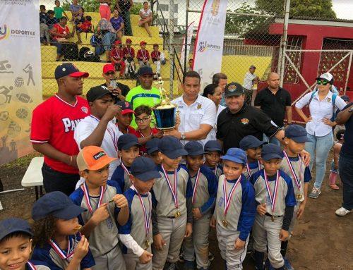 Gavilanes de Pedregal Campeones de Liga Bin Bin de la Alcaldía de Panamá